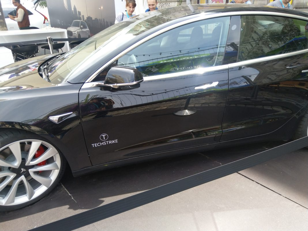 automobiel tesla model 3